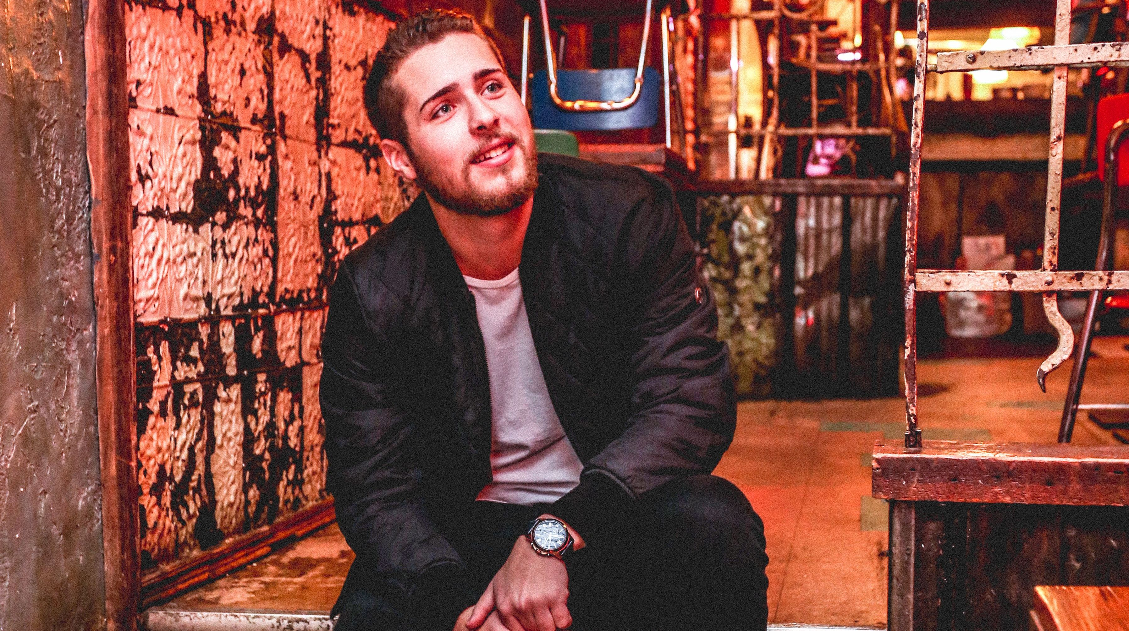 """PREMIERE: Havelin hits the road in video for """"Closing Time"""""""
