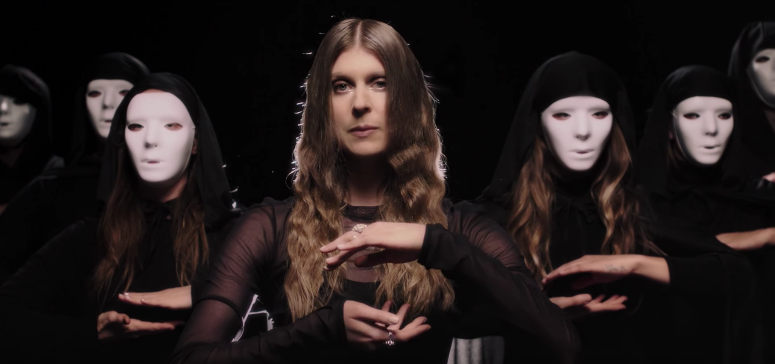 """Lydia Ainsworth commands a following in """"Afterglow"""" video"""
