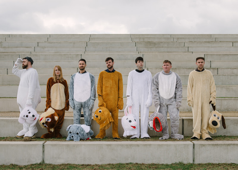 """Los Campesinos! release reflective new song, """"The Fall Of Home"""""""