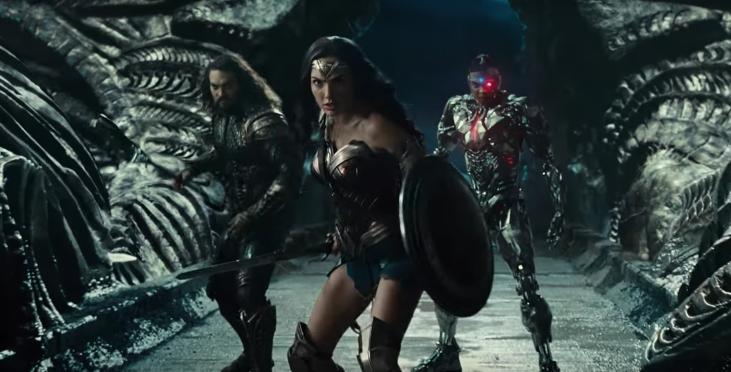 Everyone's fighting bad guys in first 'Justice League' trailer