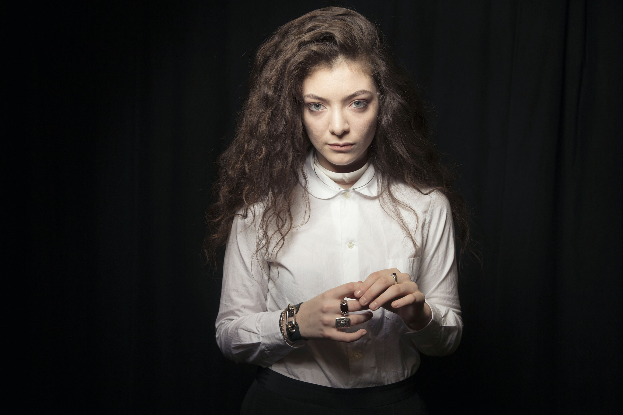 "Lorde shares ""Perfect Places,"" third track from 'Melodrama'"