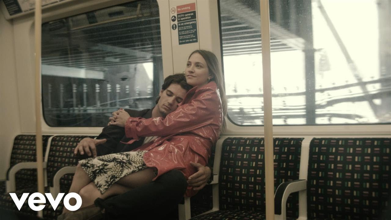 """Wolf Alice's """"Don't Delete The Kisses"""" is a love story on a subway train"""