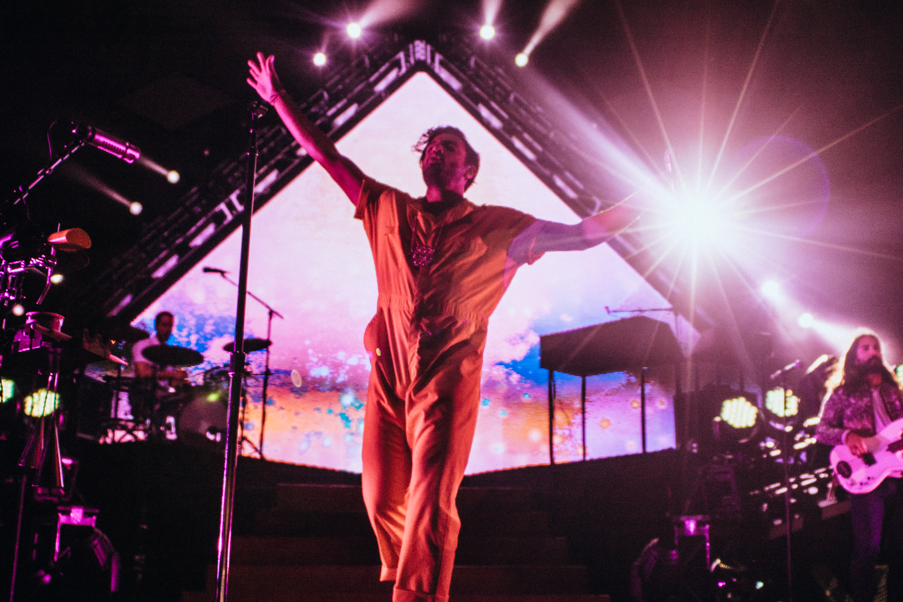 PHOTOS: Young The Giant & friends shake up Chicago
