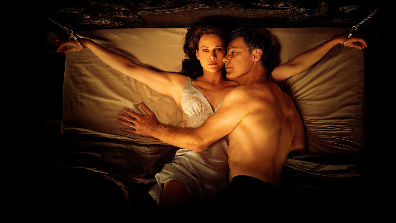 'Gerald's Game' is a great horror film that never goes beyond the surface
