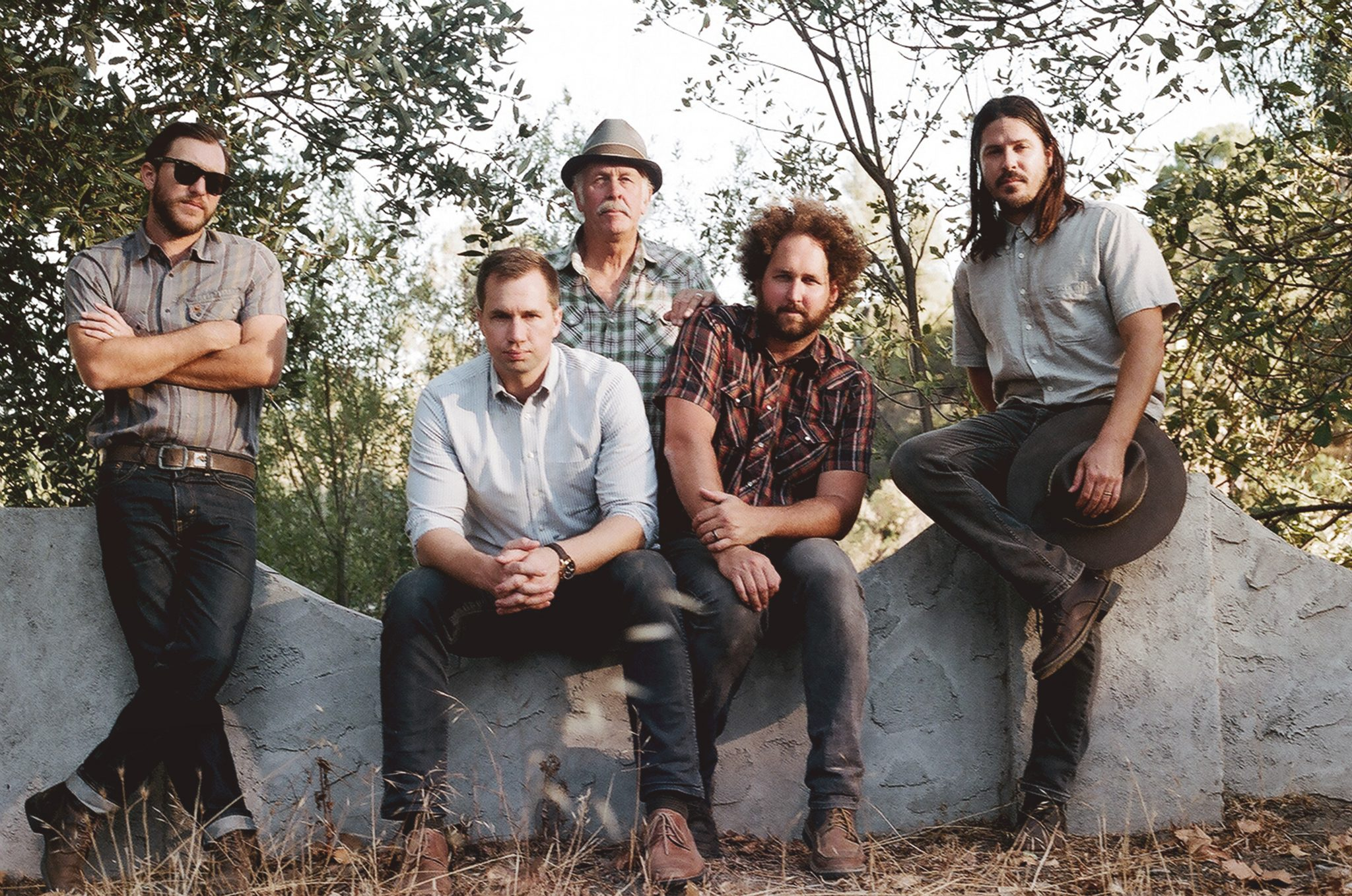 """PREMIERE: Moonsville Collective pine for the good ol' days on """"Her Eyes Used to Shine"""""""