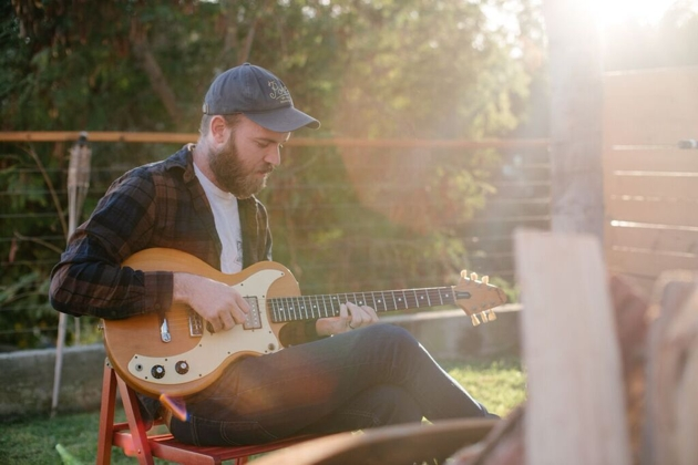 """PREMIERE: Hussey gets incredibly intimate with """"Stateside"""""""