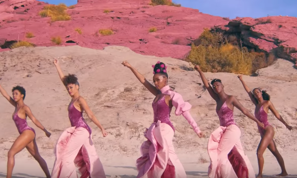 "Janelle  Monáe and Grimes release female empowered video for new song ""PYNK"""