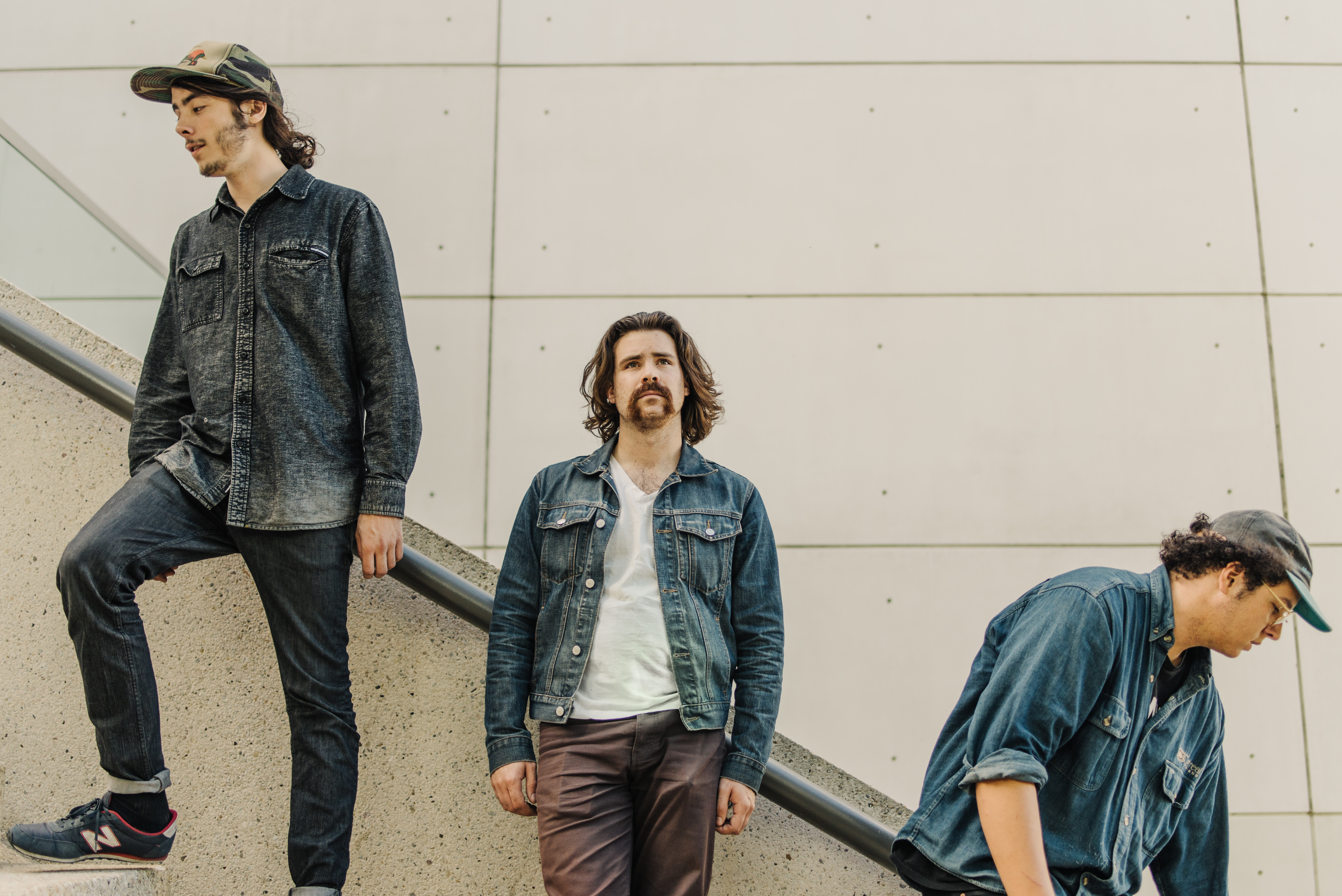 """PREMIERE: Jesse and the Dandelions release vibrant single """"Give Up The Gold"""""""