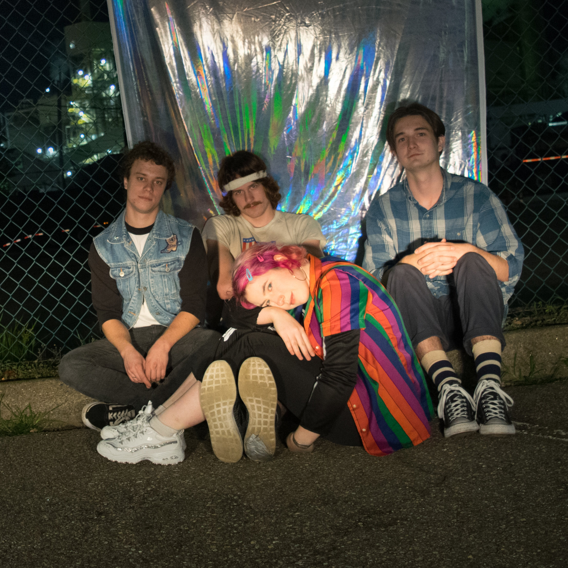 """Diva Sweetly release 90's synth-pop tinged """"Detox Island"""""""