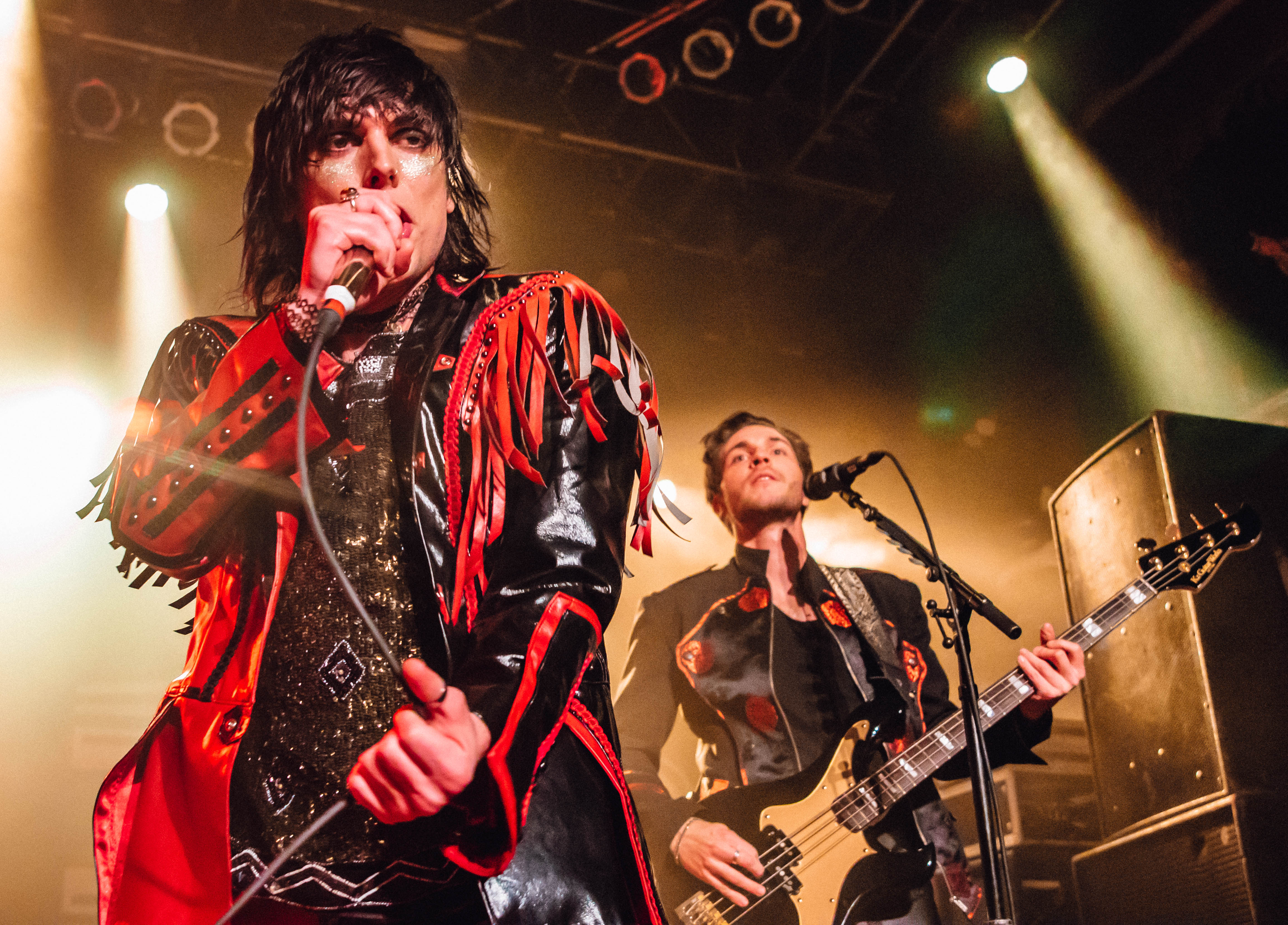 REVIEW: The Struts channel the glam gods in Chicago