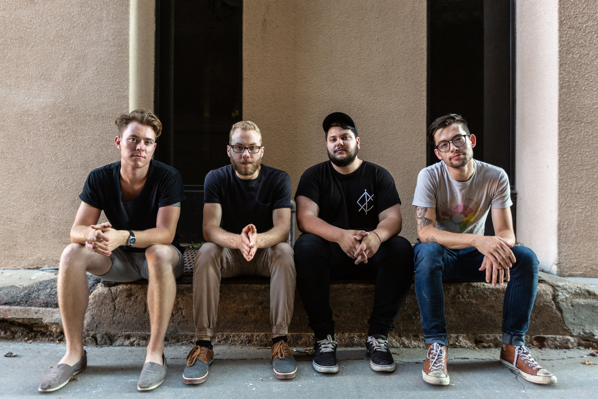 """PREMIERE: Old News mix math-rock meets 90's emo on """"Tangled Up"""""""