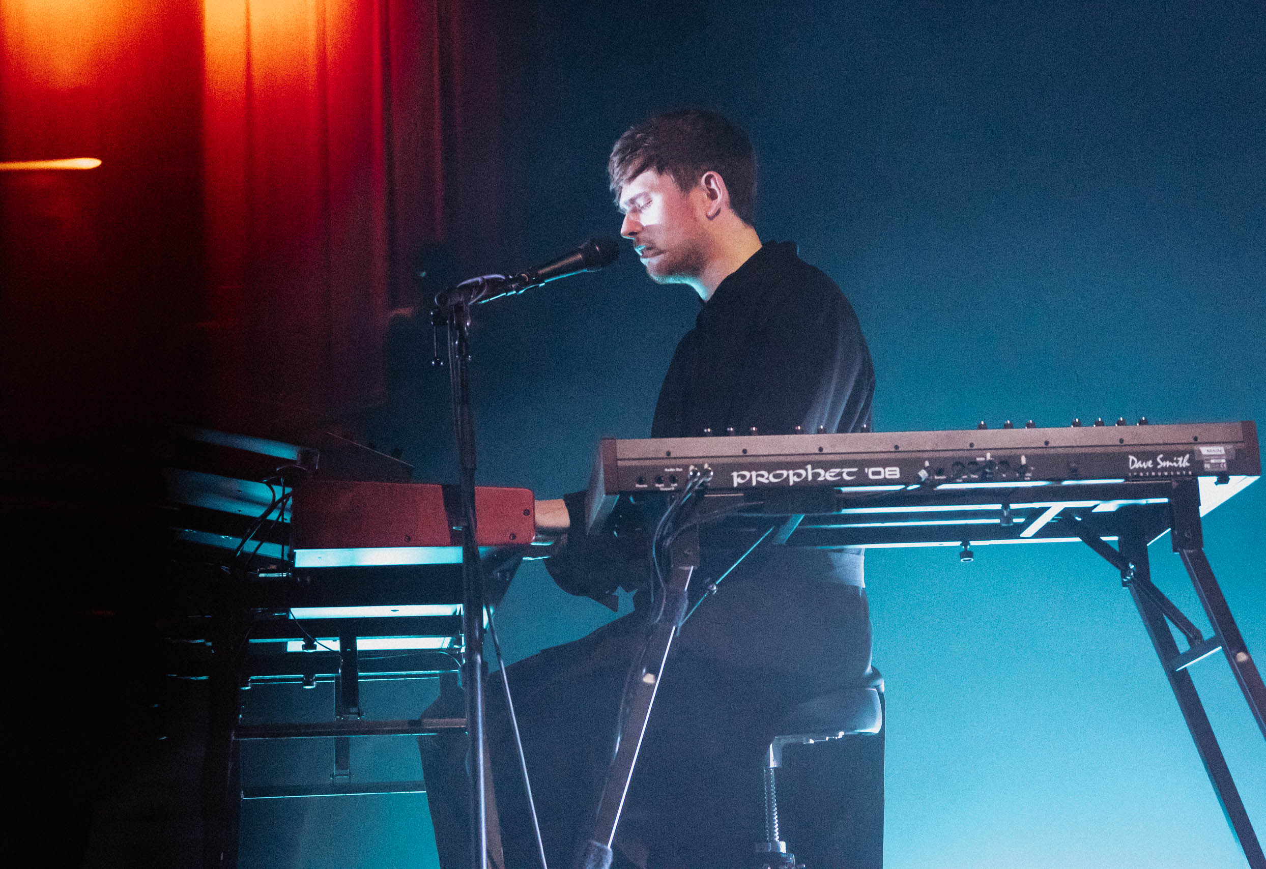 James Blake and Khushi give raw, emotional performances in Chicago