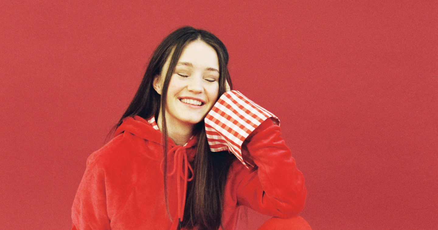 REVIEW: Sigrid drops the most important debut of 2019 w/ 'Sucker Punch'