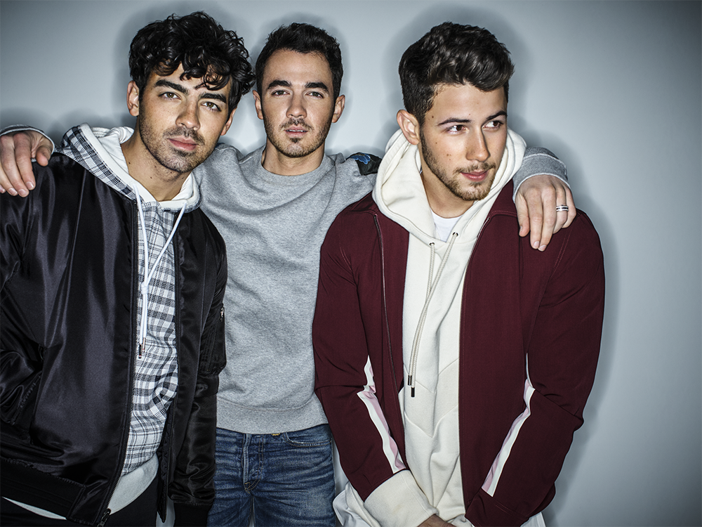 """Jonas Brothers debut infectious new single """"Cool"""""""