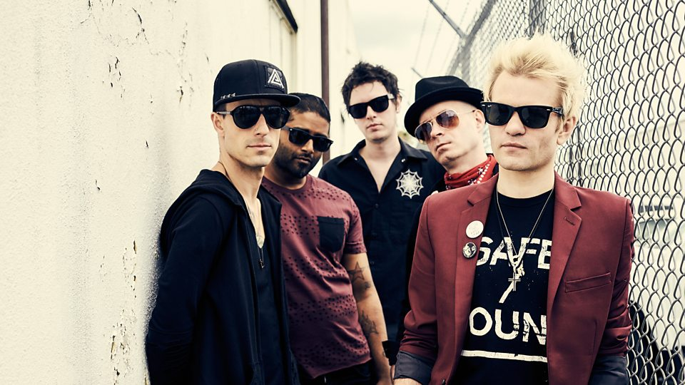 """Listen to Sum 41's new song, """"Out For Blood"""""""