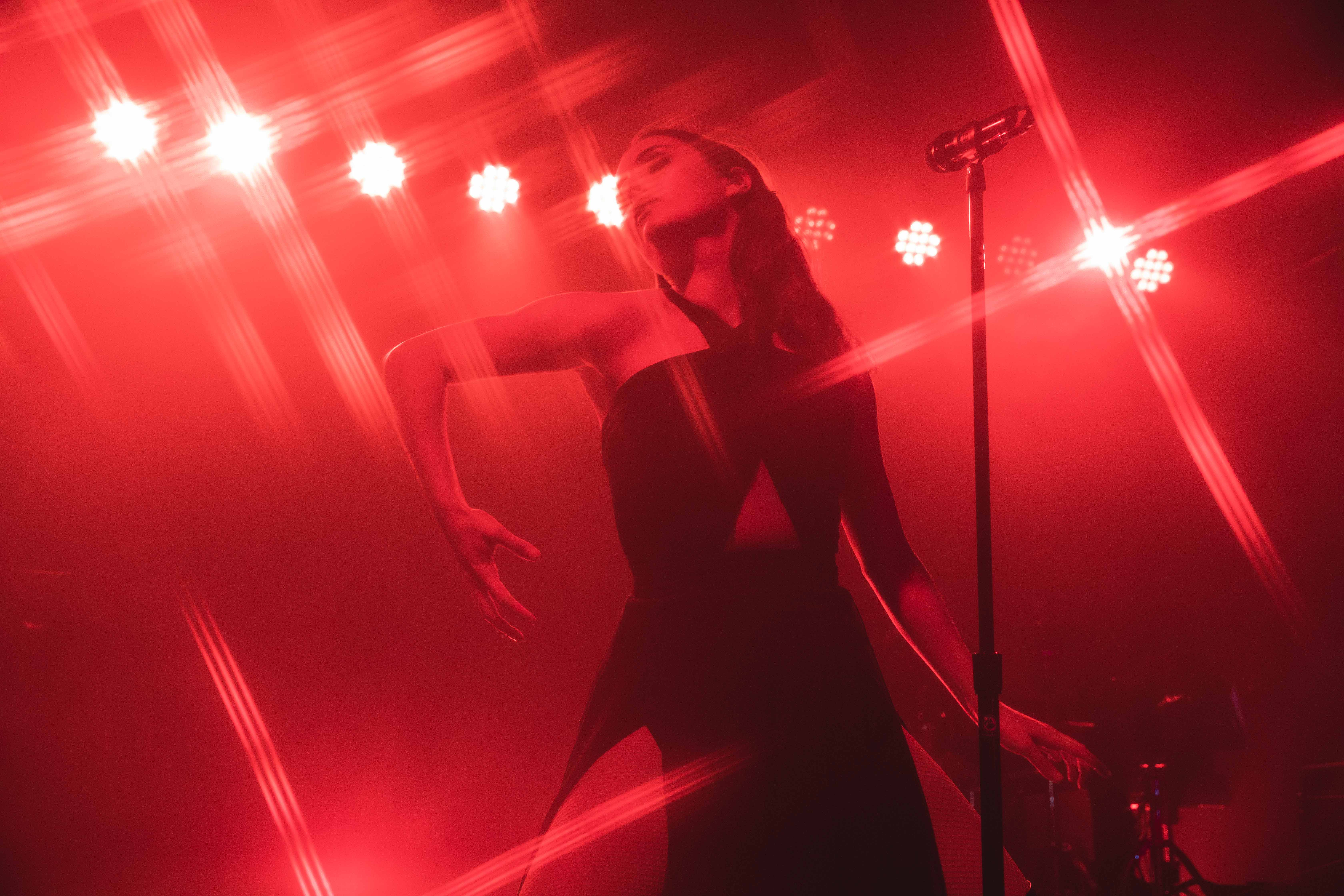 REVIEW: BANKS throws a red-hot party at the House of Vans
