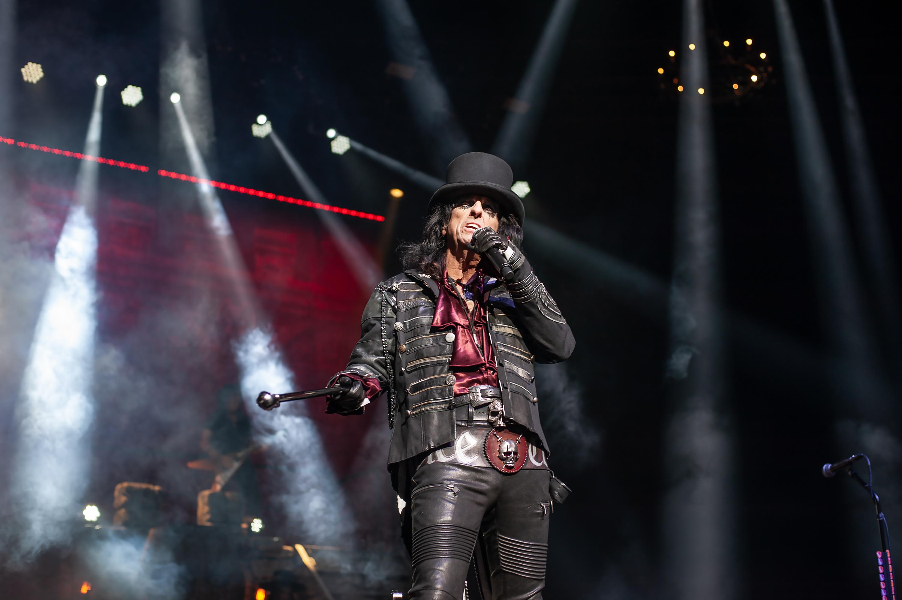 Alice Cooper proves we're still not worthy in Nashville