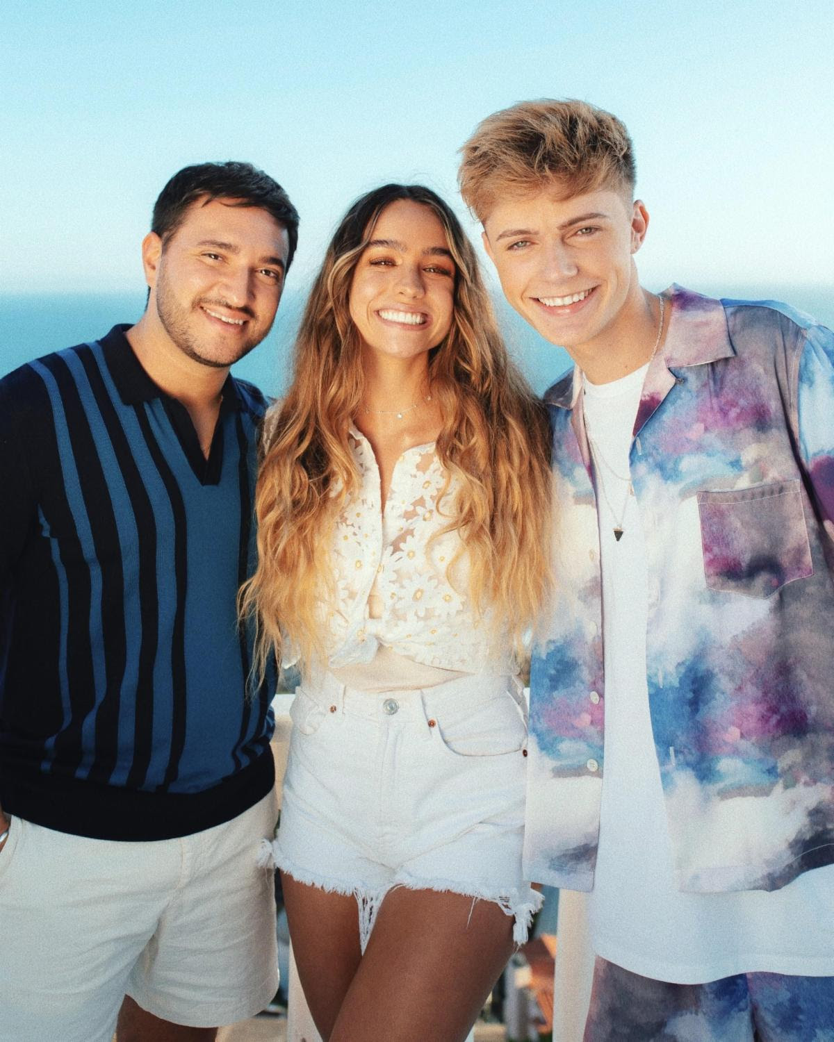 """Jonas Blue and HRVY close out summer with pool party blowout in """"Younger"""""""