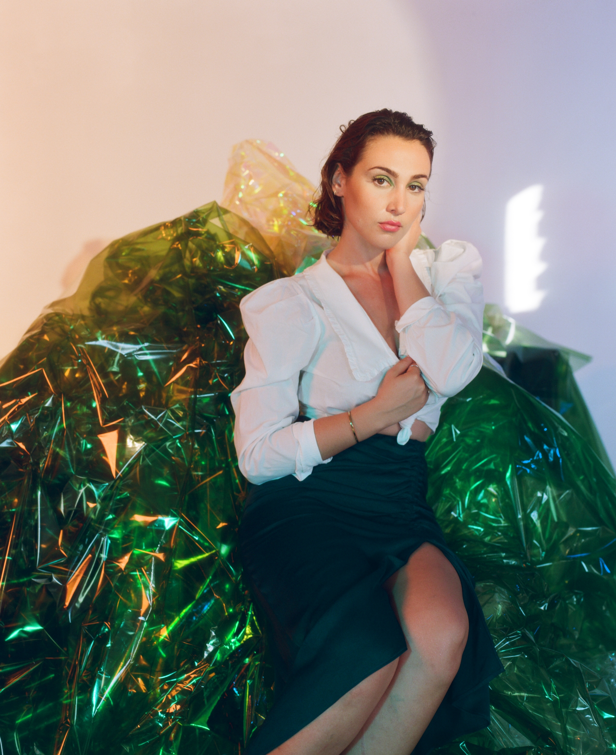 """PREMIERE: HARLOE shines on stripped-down version of """"Rivers Run Dry"""""""