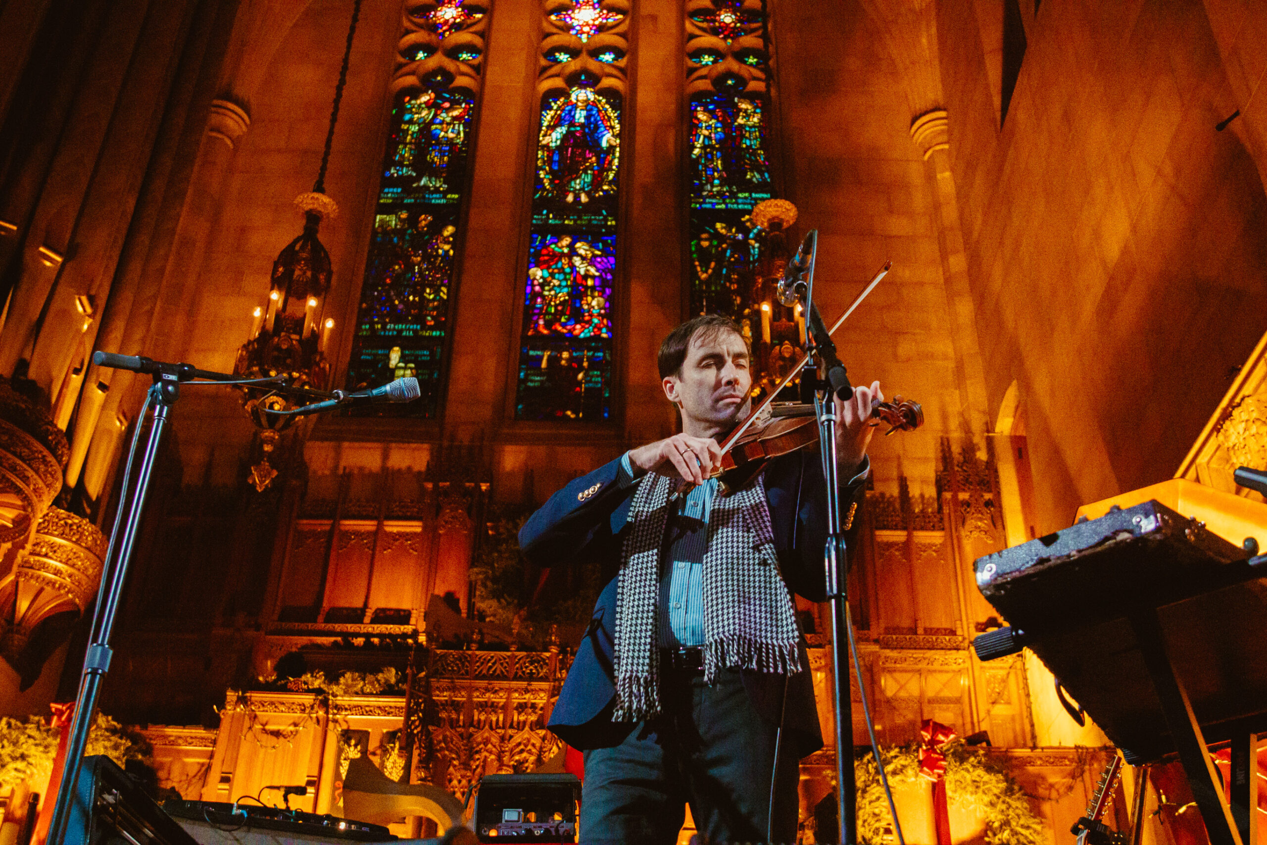 Andrew Bird's Chicago Christmas show is a delightful holiday tradition