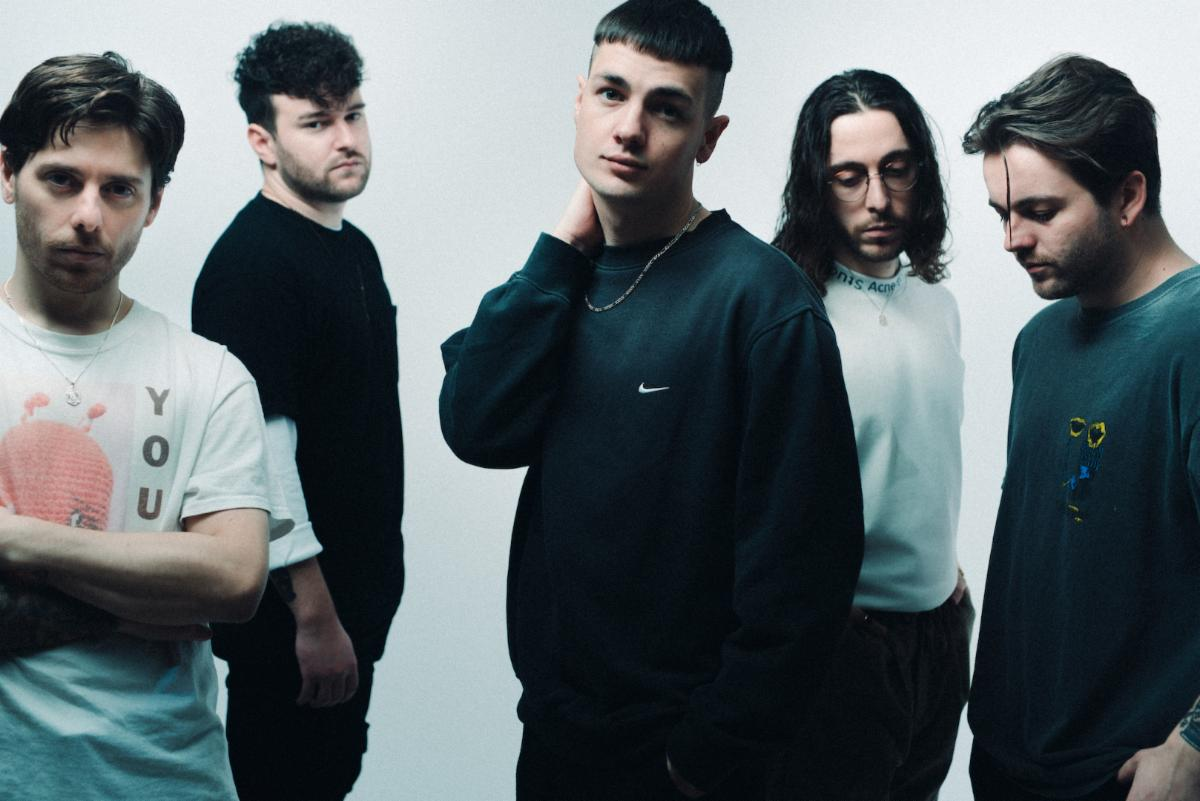 "Boston Manor announce 'Glue' + release new single, ""Everything Is Ordinary"""