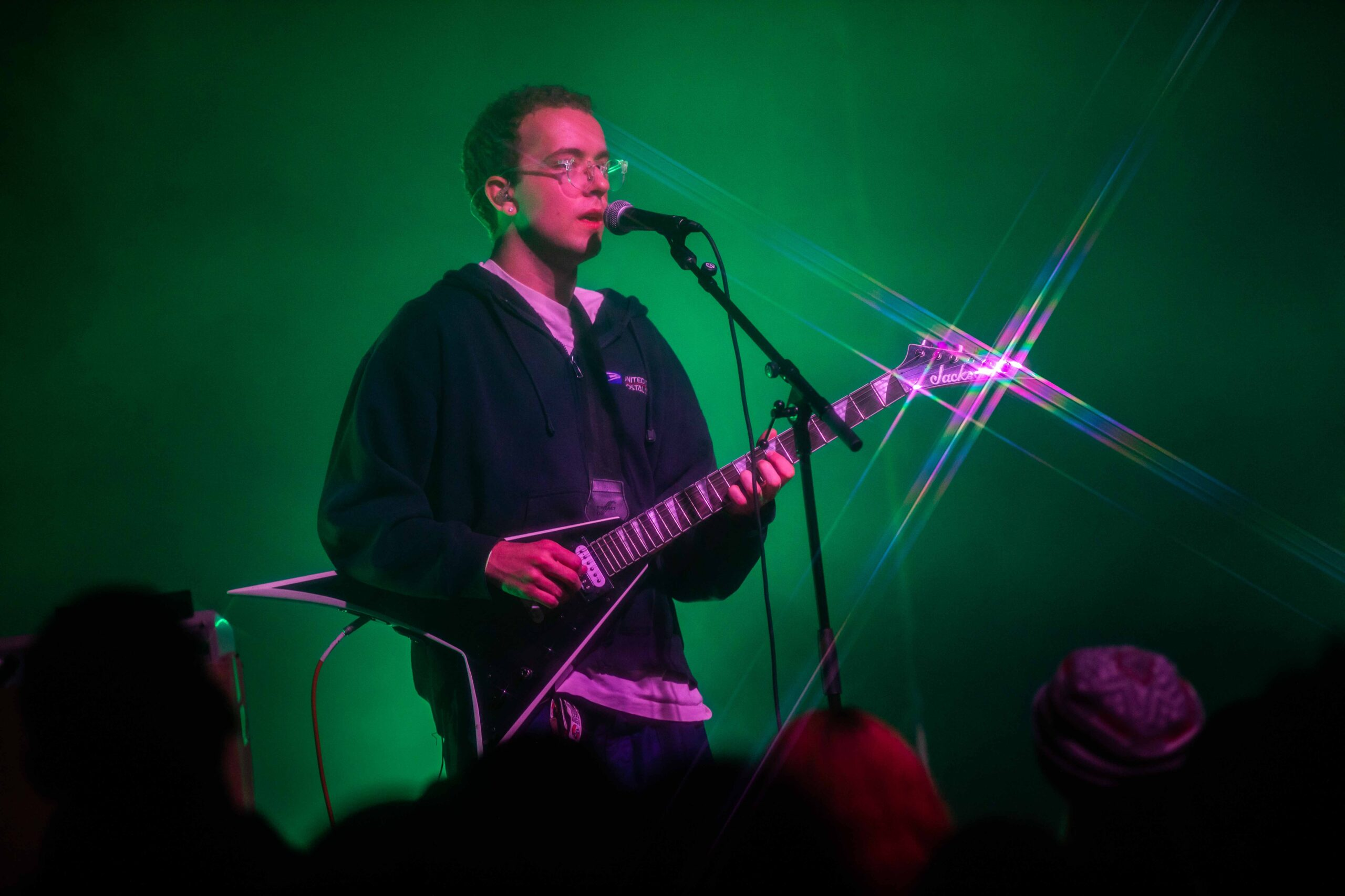 REVIEW: Zack Villere puts on a raw and intimate performance at Lincoln Hall