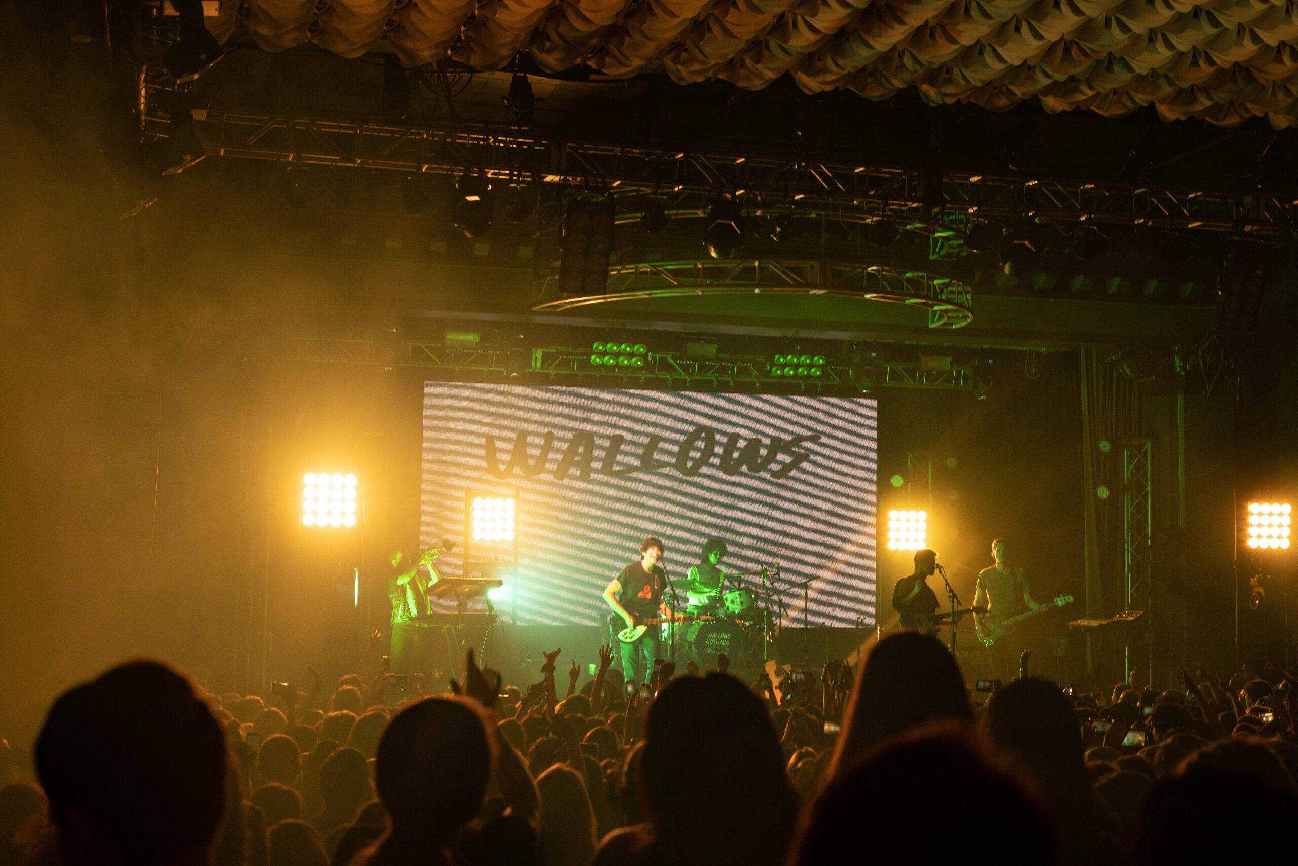 Live Review: Wallows Takes Tampa World's Apart