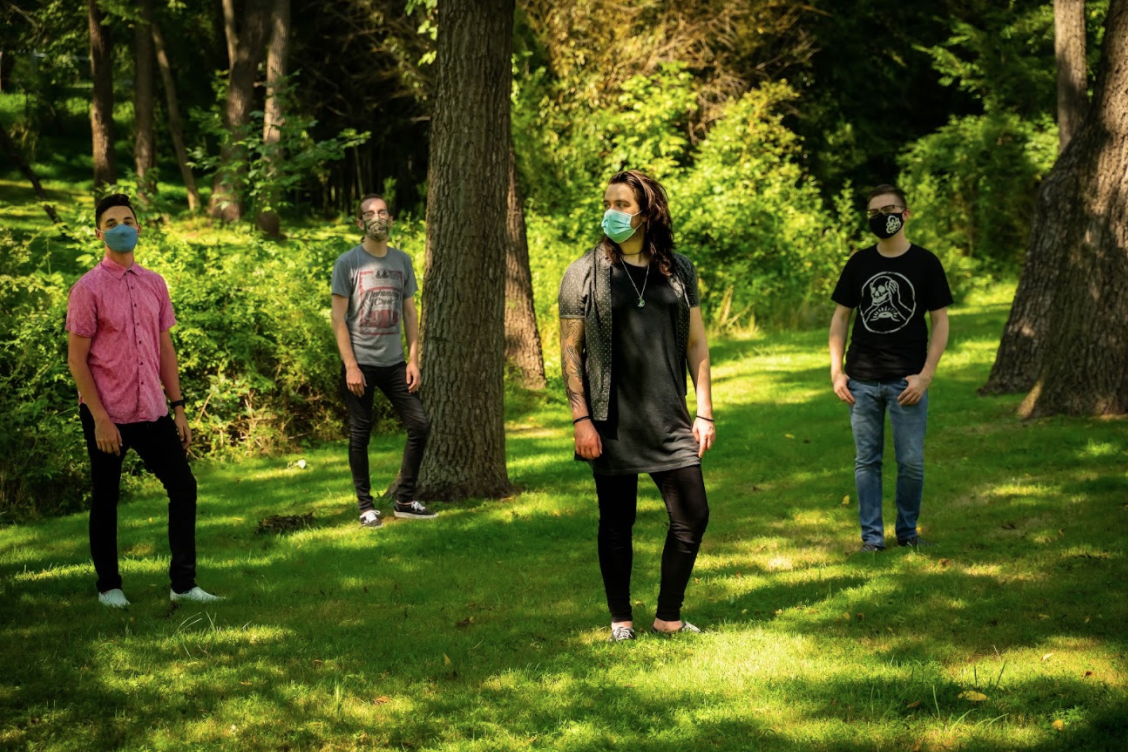 """Floorbird releases debut EP """"Fall Apart Anywhere"""""""