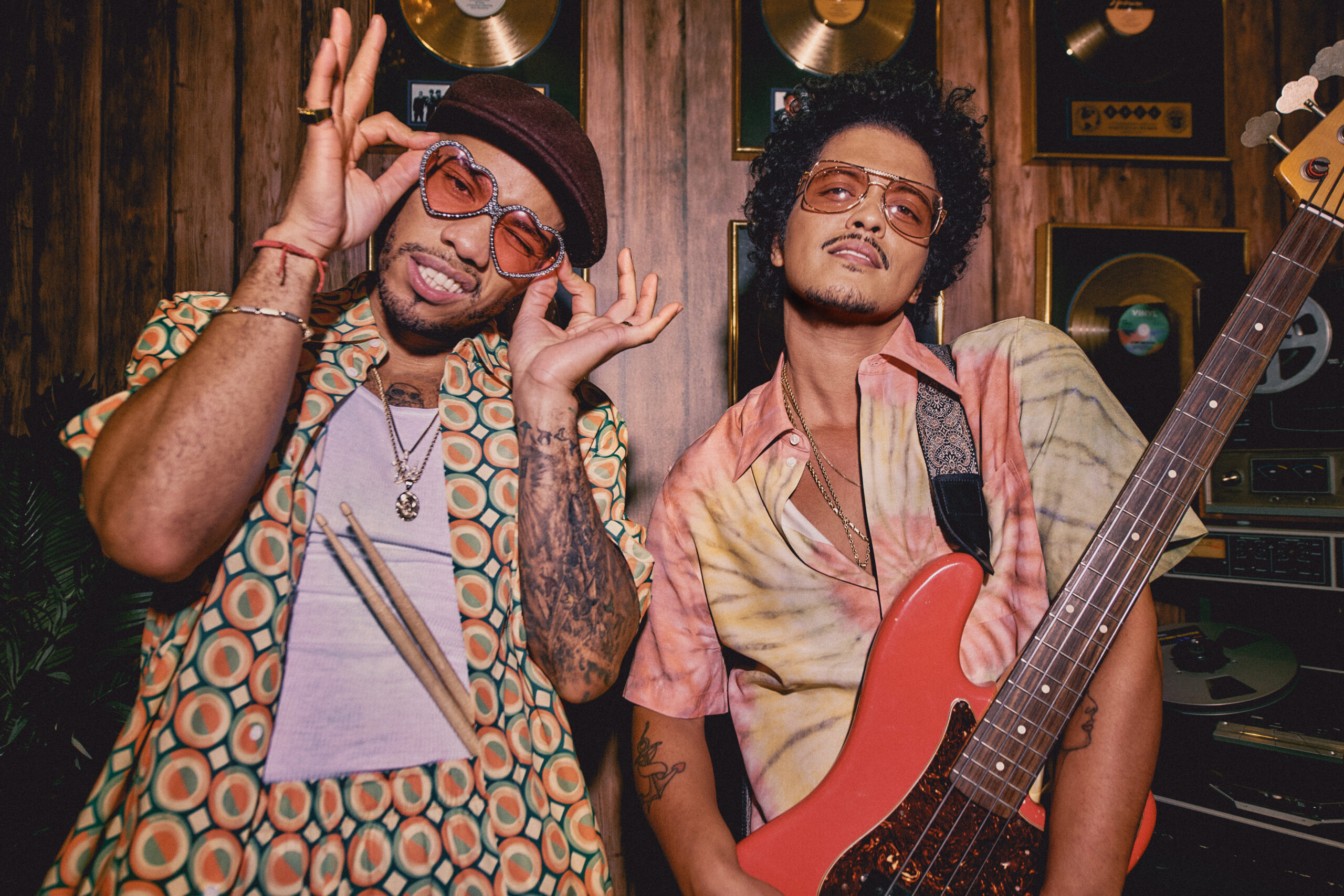 "Bruno Mars and Anderson .Paak debut Silk Sonic with ""Leave the Door Open"""